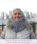 Free crochet pattern: Crunch Stitch Infinity Scarf in Lion Brand Wool-Ease Thick & Quick Bonus Bundle by Underground Crafter