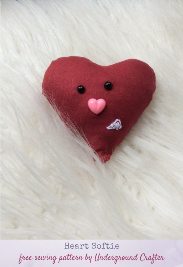Heart Softie free sewing pattern by Underground Crafter