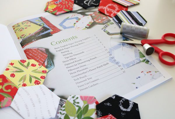 Learn How to English Paper Piece by Carolina Moore book review on Underground Crafter - project list