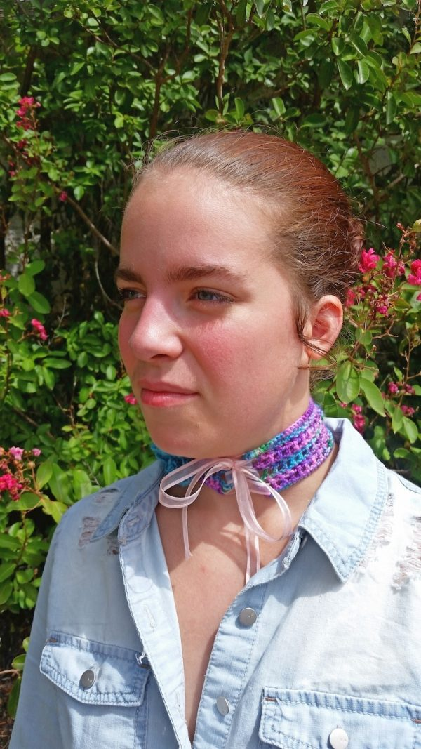 Free crochet pattern: Pixie-Goth Lace-Up Choker by BellaTuBoheme for Underground Crafter