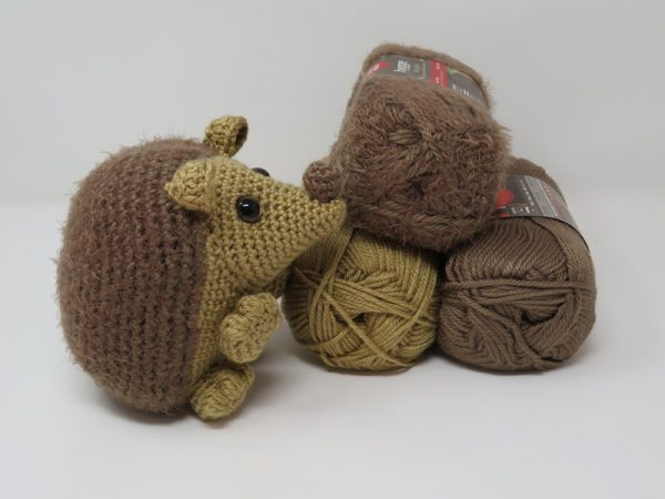 Free crochet pattern: Hygge Hedgehog amigurumi by Hooked by Kati for Underground Crafter