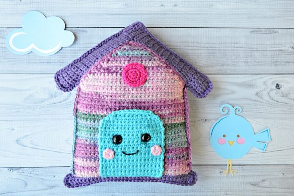 Free crochet pattern: Birdhouse Kawaii Cuddler amigurumi in assorted Red Heart yarns by 3amgracedesigns for Underground Crafter - with cloud and bird