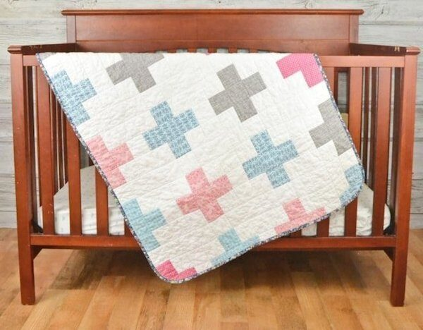 34+ Free Handmade Blanket Projects to Make Great Gifts via Underground Crafter - Plus Quilt by Heather Handmade