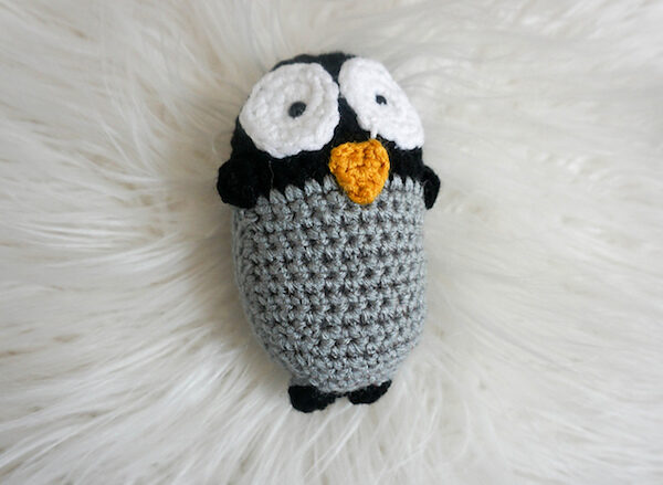 Amigurumi Baby Penguin, free crochet pattern by Underground Crafter in Red Heart Super Saver stuffed with Fairfield Poly-Fil Crafter's Choice Dry Packing Fiber Fill